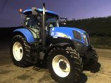 2011 NEW HOLLAND T6070